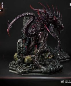 Aliens Premium Masterline Series Statue Rogue Alien Battle Diorama 66 cm
